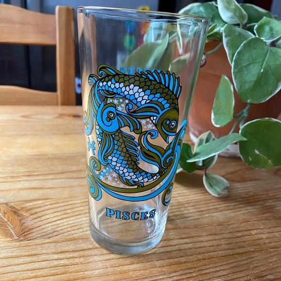 Vintage Zodiac Pisces Glass